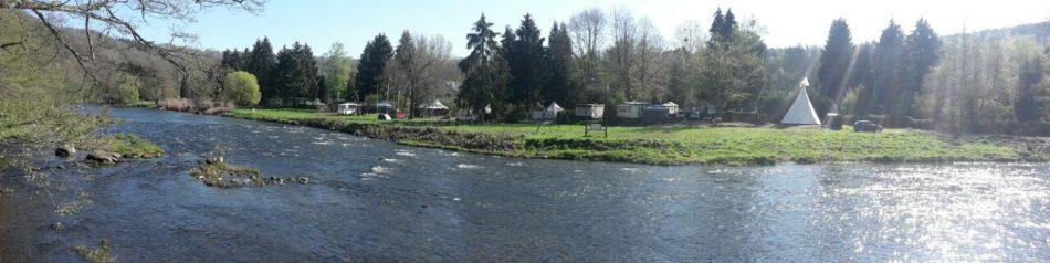Te koop: camping in Belgie naast rivier